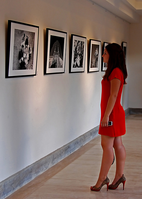 Izzet Keribar Photography Exhibition.