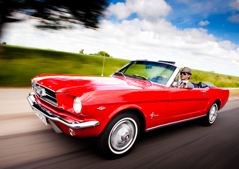 Red Ford Mustan