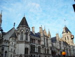 Title: the old bailey at dusk