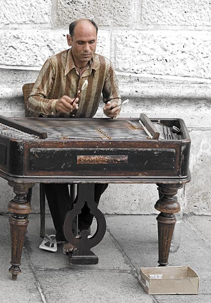 Cymbalom Player