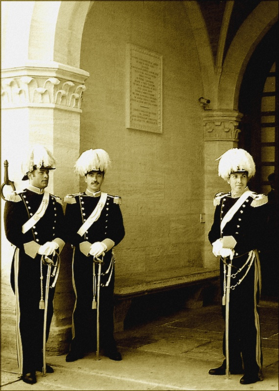 * Pictorialism - three guards *