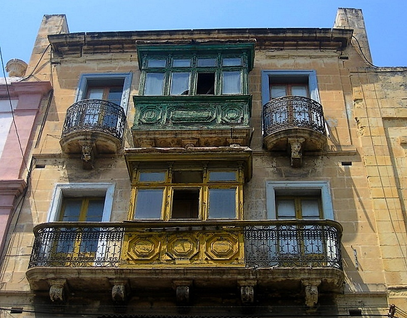 Treklens traditional maltese balcony photo for Traditional balconies