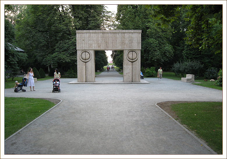 Gate of the Kiss