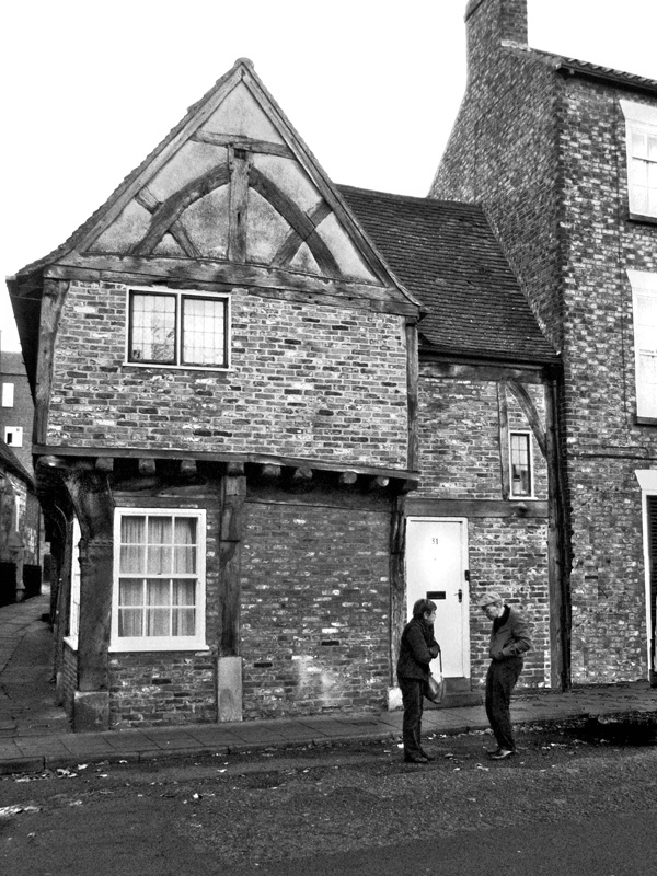 Crooked house, crooked man