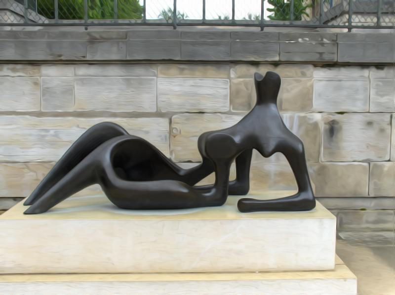 .reclining figure by Henry Moore (Paris)