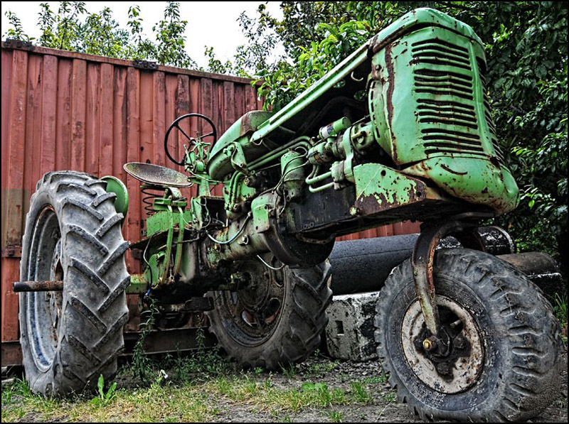 No Name Tractor
