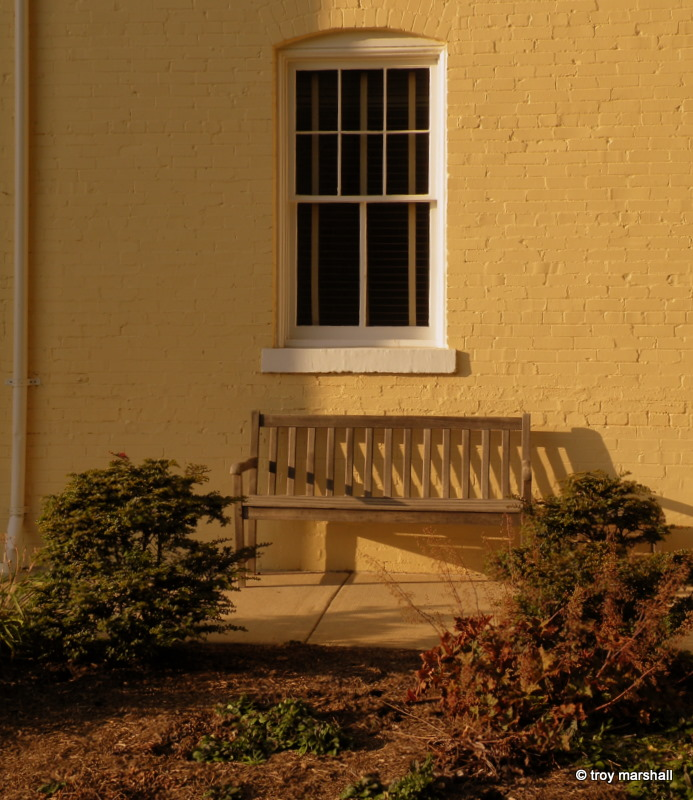 Shadow bench