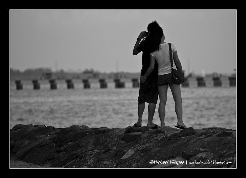 Lovers at the Bay