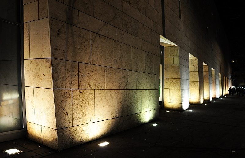 (High)lighted architecture