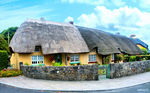 Title: Thatched houseMinolta Dimage 7