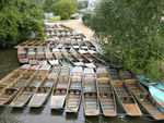 Title: Punts on the River Thames, Oxford, Engla