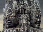 Title: Angkor Wat statue