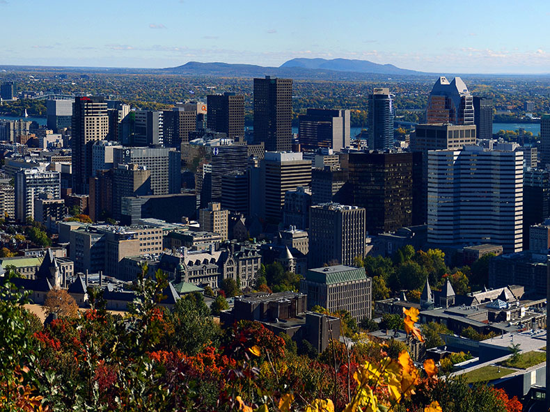 Overlooking the ‎Montreal