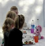 Title: The Kids TableLeica V-Lux 4