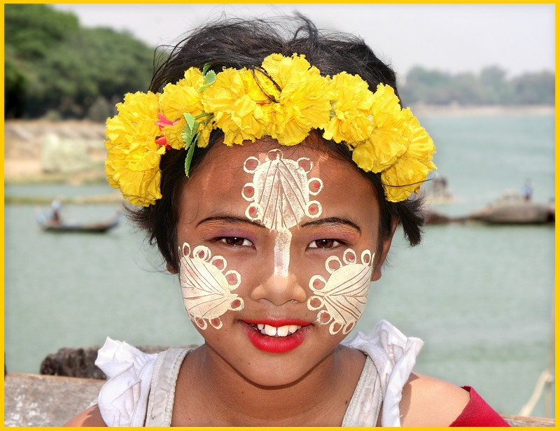 Painted faces of Burmese Children II