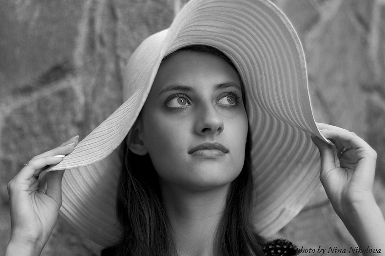 The girl  with white hat